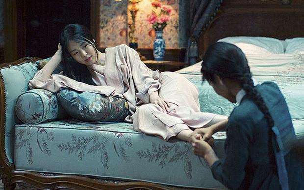 6 phim Hàn ngập cảnh nóng: Không thể thiếu mối tình hầu gái của mỹ nhân giật chồng ồn ào nhất Kbiz - Ảnh 12.