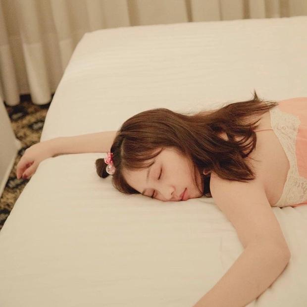 5 thói quen đẩy nhanh quá trình lão hóa da, con gái cứ duy trì sẽ càng ngày càng già đi nhanh chóng - Ảnh 3.