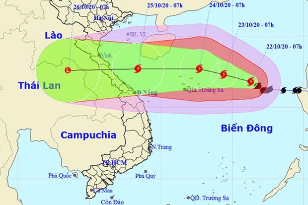 Bão số 8 giật cấp 14 quần thảo trên biển Đông, đang hướng vào miền Trung - Ảnh 1.
