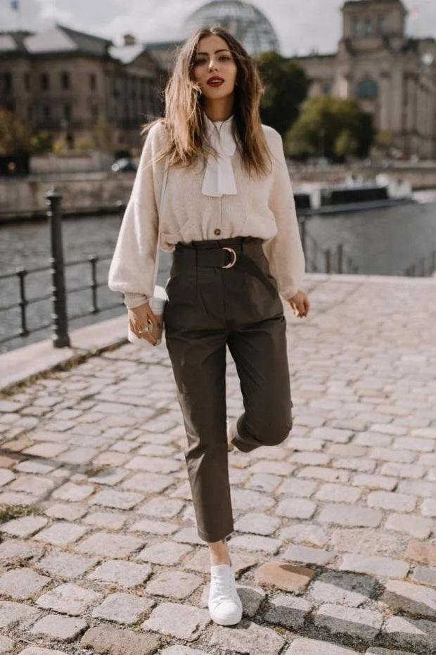 Đi giày bệt mà vẫn muốn hack dáng cao ráo thì bạn hãy diện cùng kiểu quần lửng lơ này - Ảnh 11.