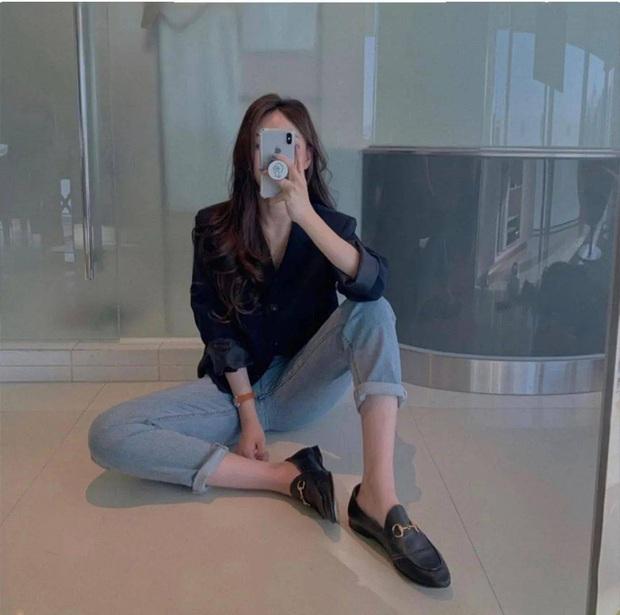 Đi giày bệt mà vẫn muốn hack dáng cao ráo thì bạn hãy diện cùng kiểu quần lửng lơ này - Ảnh 4.