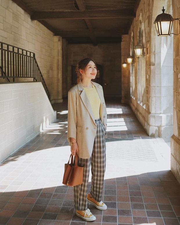 Chỉ với một kiểu blazer, nàng fashionista mix được cả chục set đồ xịn đẹp, học theo thì bạn chẳng cần shopping nhiều cho phí tiền - Ảnh 7.