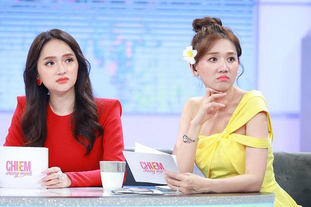Netizen tranh cãi tố Hương Giang liên tục mặc lố trên sóng truyền hình, chiếm luôn spotlight của Hari Won và tiền bối - Ảnh 4.