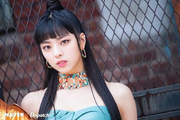 8 đôi mắt to tròn đẹp nhất Kpop: Lisa (BLACKPINK) có đặc điểm cực hiếm, búp bê sống nhà JYP nổi như cồn nhờ cửa sổ tâm hồn - Ảnh 7.