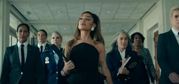 Chán làm tiểu diva, Ariana Grande lên làm Tổng thống sang chảnh trong positions nhưng bị chê nhạc ngang phè, khó thành hit? - Ảnh 6.