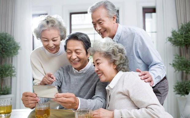 Chuyện thật như đùa về ước mơ giản dị của giới trẻ Trung Quốc: Chỉ mong bố mẹ đừng nghiện TikTok nữa - Ảnh 1.