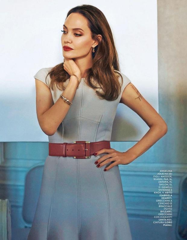 Bộ ảnh tạp chí cũ đầy quý tộc của Angelina Jolie bỗng hot lại: Đúng là nữ hoàng nhan sắc, bảo sao Brad Pitt từng mê muội - Ảnh 6.