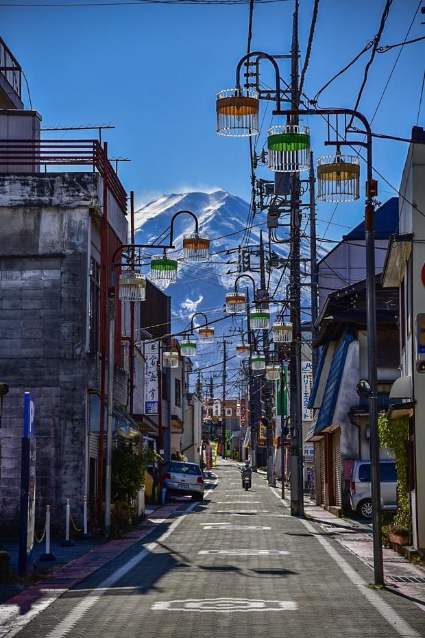 Biểu tượng nước Nhật đẹp đến siêu thực trong bức ảnh xuất sắc của nhiếp ảnh gia, ngỡ như khung cảnh ở thế giới game - Ảnh 3.
