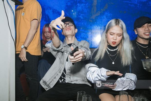Trước ngày chiến nhau tại Rap Việt, MCK và TLinh diễn chung siêu ngọt ngào, thí sinh team Binz cũng bất ngờ đến góp vui - Ảnh 3.