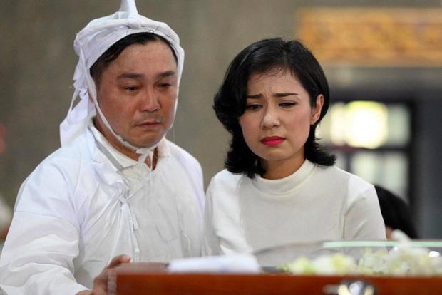 Tang lễ NSND Lý Huỳnh: Diễn viên Lý Hùng tiết lộ 2 tâm nguyện của cha, Việt Trinh cùng dàn sao Việt xót thương - Ảnh 4.