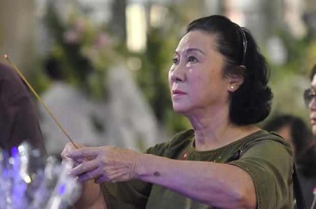 Tang lễ NSND Lý Huỳnh: Diễn viên Lý Hùng tiết lộ 2 tâm nguyện của cha, Việt Trinh cùng dàn sao Việt xót thương - Ảnh 7.