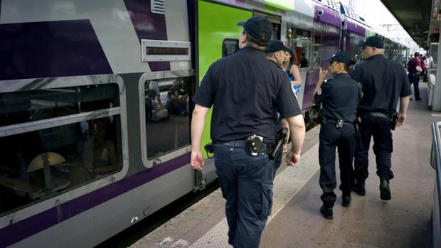 Ga đường sắt Lyon bị đe dọa đánh bom, Phápsơ tán khẩn cấp - Ảnh 1.