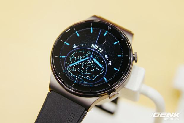 Trên tay Huawei Watch GT 2 Pro chính thức tại Việt Nam: đồng hồ thể thao cao cấp, pin đến 2 tuần giá 8,99 triệu đồng - Ảnh 1.