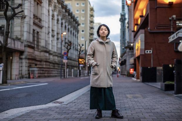 Cuộc sống bế tắc của thế hệ mất mát ở Nhật Bản: Đã đến tuổi trung niên mà vẫn còn thất nghiệp, độc thân và sống với bố mẹ - Ảnh 2.