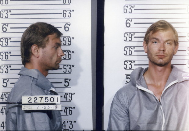 Hồ sơ tên quỷ khát máu ra tay sát hại 17 trai trẻ sau cuộc mổ não định mệnh lên phim tài liệu gây ám ảnh - Ảnh 6.