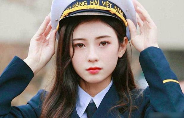 Các trường ĐH có đồng phục đẹp nhất Việt Nam, nhìn là muốn xách ba lô lên và đi học ngay lập tức! - Ảnh 2.