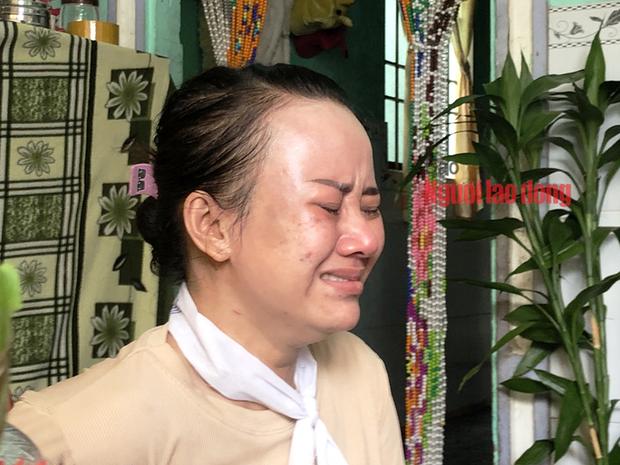 CLIP: Tiếng khóc xé lòng tại đám tang tiểu thương chết vì cứu người dưới cống - Ảnh 5.