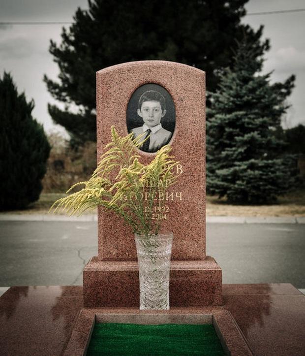 Những bức hình đầy ám ảnh và ký ức kinh hoàng sau 16 năm vụ thảm sát con tin gây chấn động thế giới tại Trường học Số 1 - Ảnh 7.