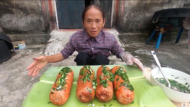 Chẳng ai như Bà Tân Vlog: xúc xích nướng với sốt ớt lại còn ăn chung với... mỡ hành? - Ảnh 5.