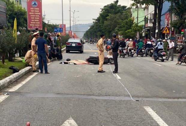 Xe máy va chạm với ô tô, nam thanh niên 18 tuổi chết thảm - Ảnh 2.