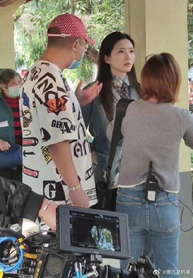 Giang Sơ Ảnh bê nguyên thần thái chị đại 30 Chưa Phải Là Hết vào phim mới, netizen vừa thấy đã mê hết nấc - Ảnh 2.