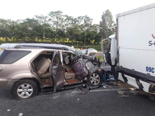 Bắc Ninh: Ô tô lao qua dải phân cách gây tai nạn liên hoàn, 3 người thương vong, ùn tắc hàng chục km - Ảnh 2.