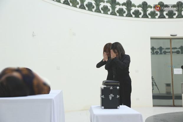 Chuyện về người phụ nữ làm nghề trang điểm tử thi ở Việt Nam: Tôi bị rất nhiều người kì thị, giấu cả gia đình để làm - Ảnh 3.