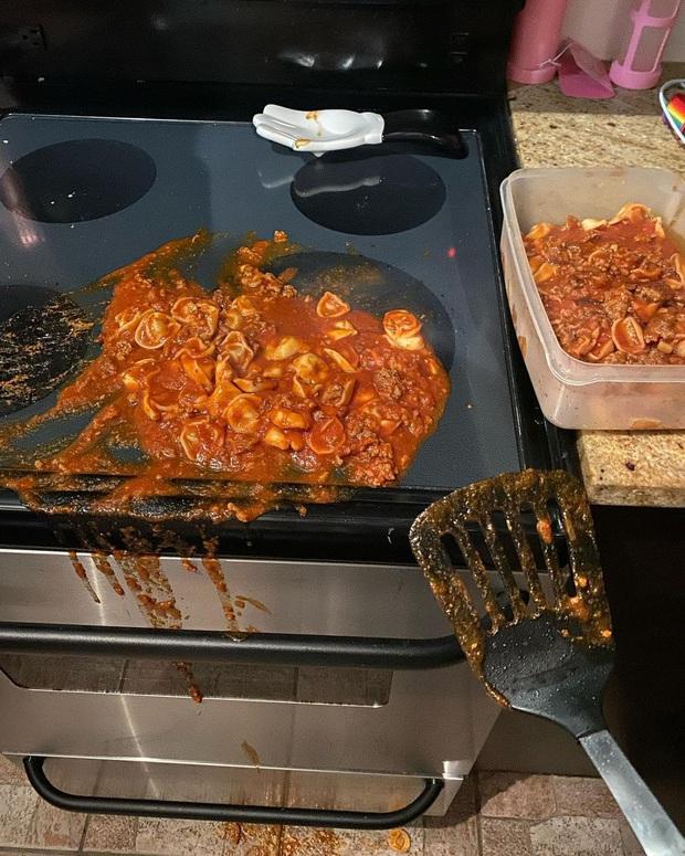 """Xem xong những thảm hoạ bếp núc """"dở khóc dở cười"""" này, bạn sẽ thấy mình còn nấu ăn ngon hơn khối người trên thế giới! (Phần 2) - Ảnh 13."""