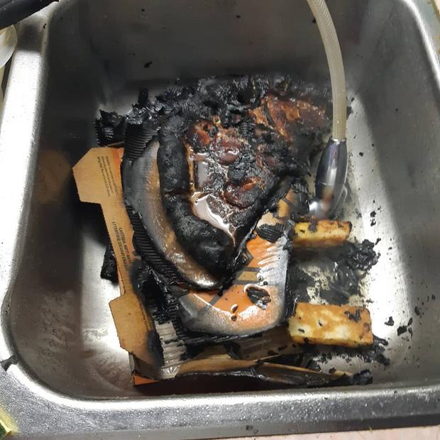 """Xem xong những thảm hoạ bếp núc """"dở khóc dở cười"""" này, bạn sẽ thấy mình còn nấu ăn ngon hơn khối người trên thế giới! (Phần 2) - Ảnh 17."""