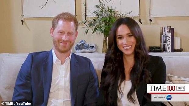 Tái xuất cùng vợ, Hoàng tử Harry bất ngờ nhận về loạt chỉ trích từ người hâm mộ vì một câu nói hoàn toàn vô ý - Ảnh 1.
