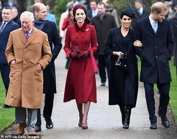 Tái xuất cùng vợ, Hoàng tử Harry bất ngờ nhận về loạt chỉ trích từ người hâm mộ vì một câu nói hoàn toàn vô ý - Ảnh 3.