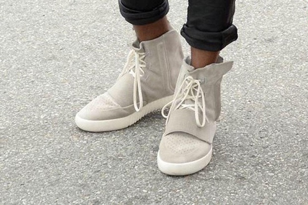 https-hypebeastcom-image-2015-02-kanye-west-is-seen-in-his-new-adidas-yeezys-4-16035134850131876739247.jpg
