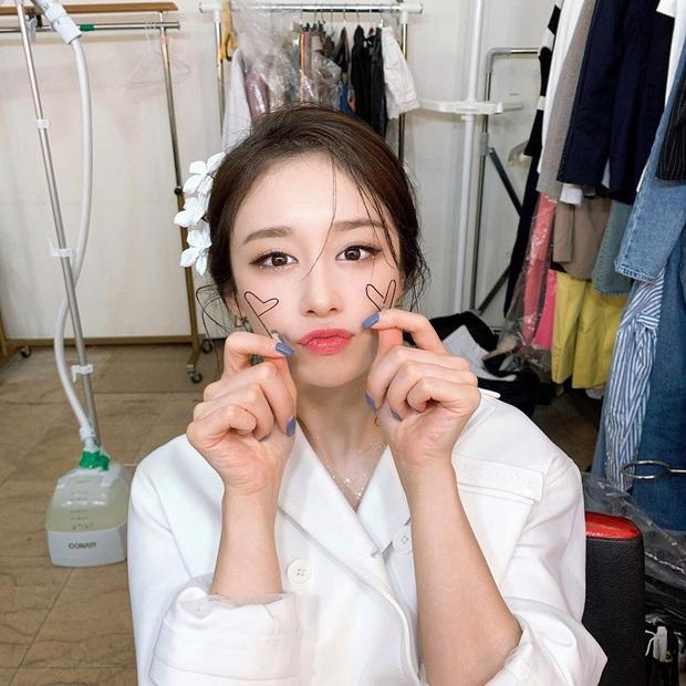 Im ắng lâu lâu, Jiyeon (T-ara) bỗng vọt lên top Dispatch: Sốc không hề nhẹ vì sống mũi cầu trượt hoàn hảo nhất Kpop? - Ảnh 2.