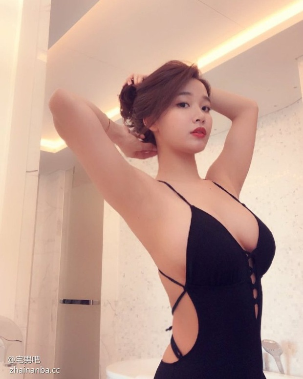 Nữ streamer kiêm người mẫu nội y nóng bỏng, tận dụng vốn tự có livestream vừa bán hàng vừa kéo lượt xem - Ảnh 5.