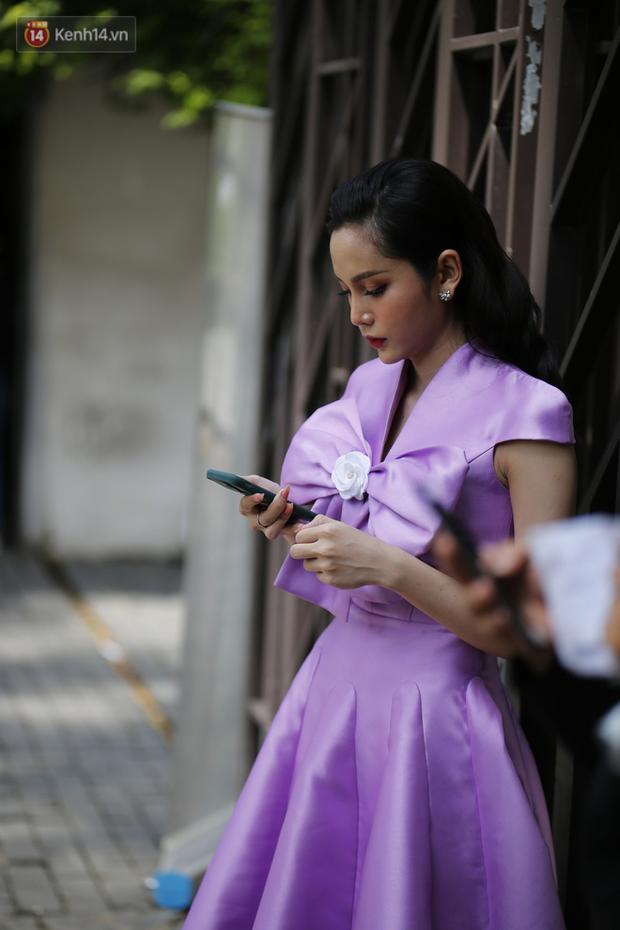 Người đẹp hot nhất cuộc thi Hoa hậu Chuyển giới Việt Nam 2020 bị chụp lén, nhan sắc có như ảnh sống ảo? - Ảnh 2.