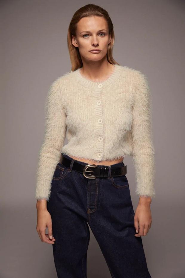 Cô nàng chỉ rõ 5 món đồ đáng sắm nhất ở Zara lúc này, có tâm gợi ý luôn cách mix đồ tôn dáng - Ảnh 1.