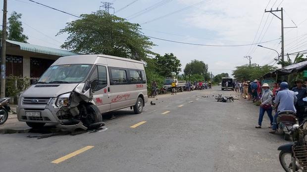 Xe máy vỡ nát, người lái tử vong sau cú đâm khủng khiếp - Ảnh 1.