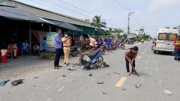 Xe máy vỡ nát, người lái tử vong sau cú đâm khủng khiếp - Ảnh 2.