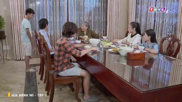 Thông điệp kỳ lạ ở Vua Bánh Mì bản Việt: Lòng tốt méo mó của kẻ vì bênh người nhà mà hại người khốn khổ - Ảnh 4.