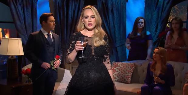 Lần đầu hát live sau 4 năm, Adele vì hồi hộp mà để lộ giọng hụt hơi và xuống sức, thông tin về album mới khiến ai cũng hụt hẫng? - Ảnh 4.