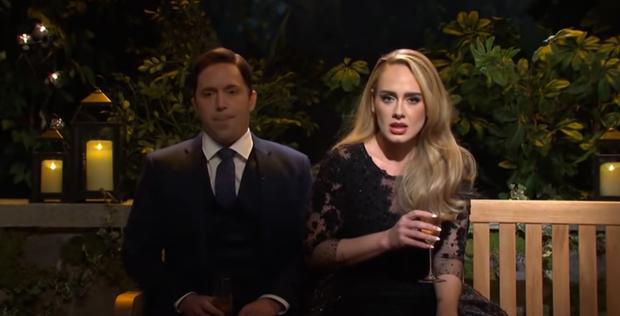Lần đầu hát live sau 4 năm, Adele vì hồi hộp mà để lộ giọng hụt hơi và xuống sức, thông tin về album mới khiến ai cũng hụt hẫng? - Ảnh 3.