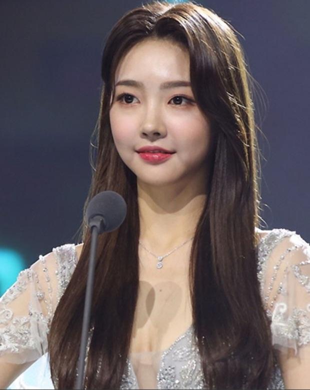 """15 năm Hoa hậu Hàn Quốc """"xứng danh"""" thị phi bậc nhất châu Á: Ai đăng quang cũng gây tranh cãi, ngập tràn drama """"dao kéo"""" - Ảnh 23."""