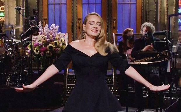 Adele lần đầu lên sóng truyền hình sau màn giảm cân khiến thế giới chấn động: Visual đã xuất sắc, body còn choáng hơn! - Ảnh 7.