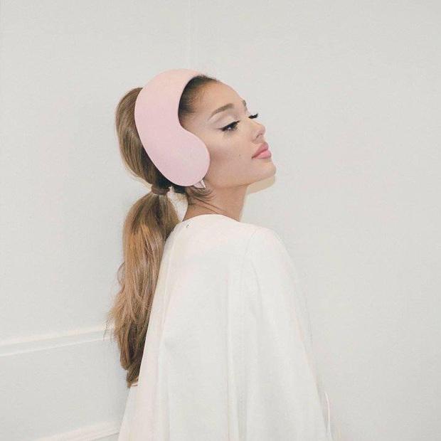 Ariana Grande công bố tracklist album positions, số phận màn collab với BTS được hé lộ, có cả ca khúc tên... 69? - Ảnh 3.