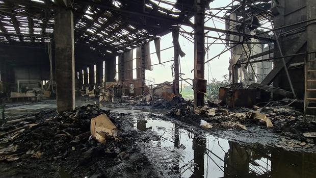 Bắc Ninh: Nổ lò hơi gây cháy xưởng sản xuất giấy khiến 2 người thương vong - Ảnh 1.