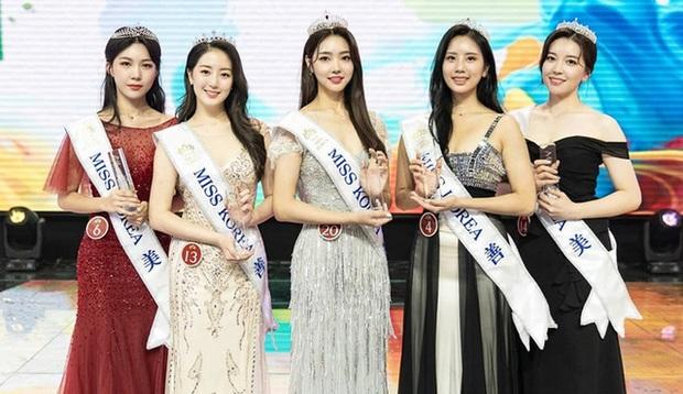 """15 năm Hoa hậu Hàn Quốc """"xứng danh"""" thị phi bậc nhất châu Á: Ai đăng quang cũng gây tranh cãi, ngập tràn drama """"dao kéo"""" - Ảnh 18."""