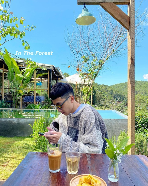 """Dalat has 4 cafes in the style of """"chill spread"""" that are extremely rare to know: Located in the middle of a pine forest, every corner of the street is beautiful - Photo 33."""