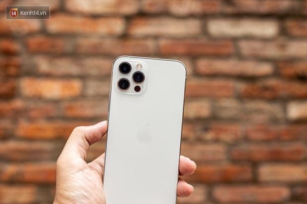 Samsung vừa trình làng Galaxy S21 Ultra với cực nhiều nâng cấp, nhưng bấy nhiêu đó có đủ để đánh đổ ngôi vương của iPhone 12 Pro Max? - Ảnh 7.