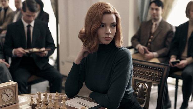 Gambit Hậu: Phim về cờ vua mà đẹp ngang ngửa Emily Ở Paris, mỹ nhân X-Men hóa thần đồng hư hỏng đỉnh thấy mê - Ảnh 8.