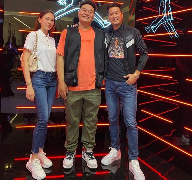 Khung hình gây sốt: Louis Nguyễn thích thú bên Wowy, Philip Nguyễn - Linh Rin thân thiết gặp gỡ Yuno Bigboi tại sự kiện - Ảnh 2.